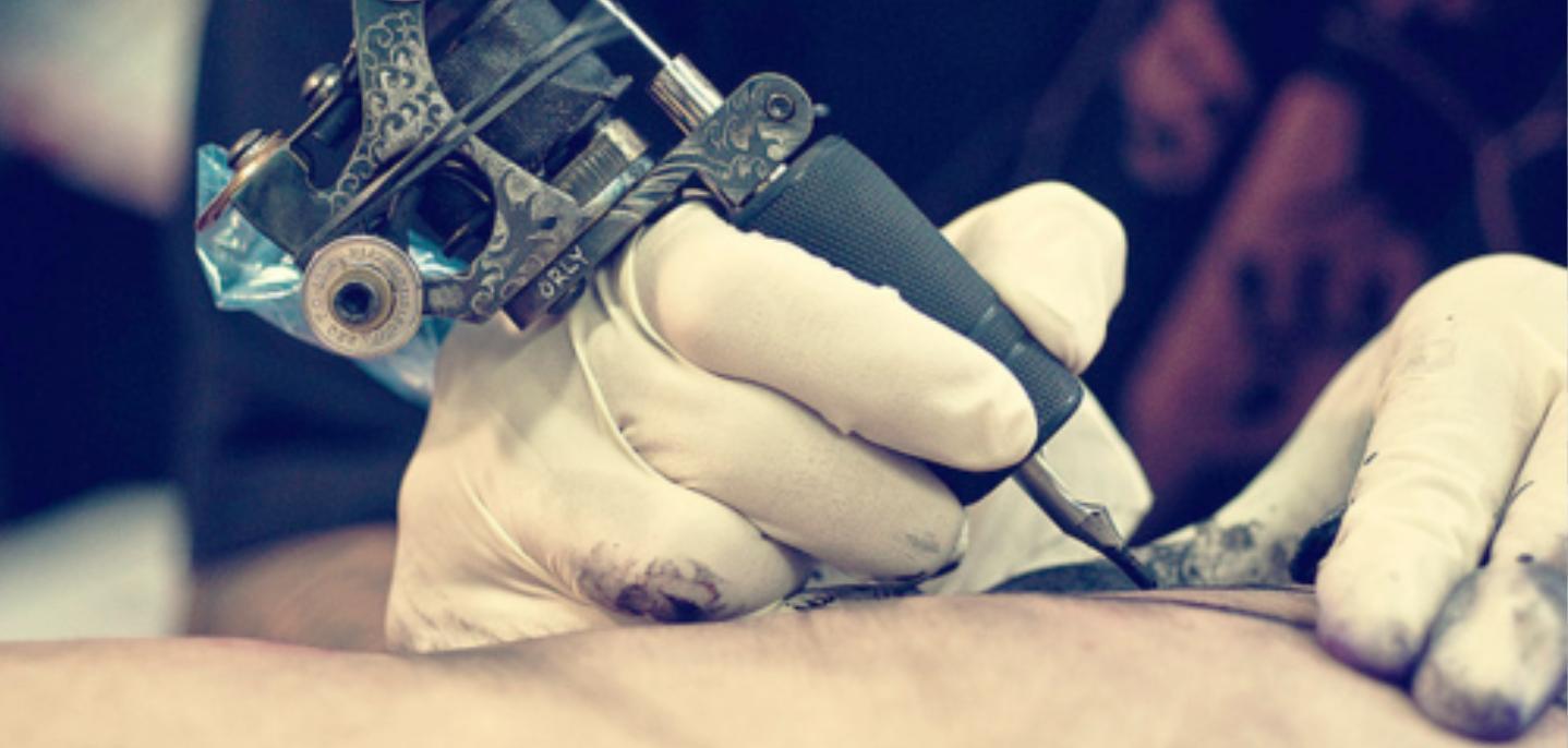 La tinta de los tatuajes afecta al sistema inmune...