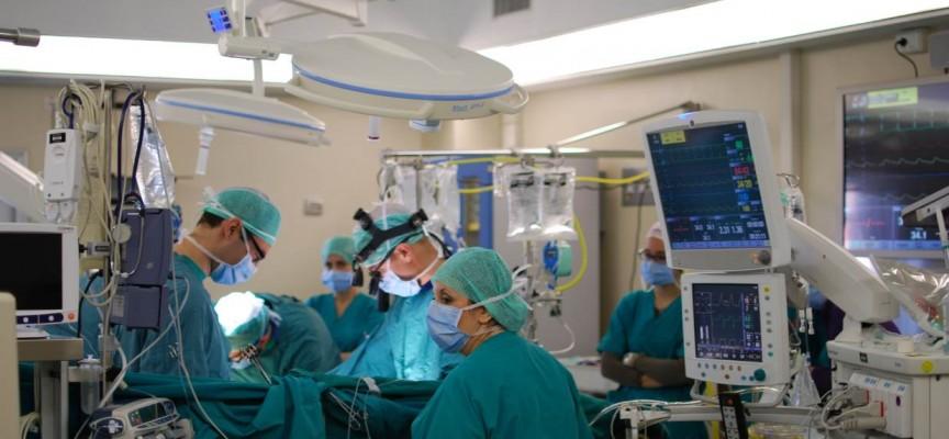 Un dispositivo dentro del corazón baja la presión en insuficiencias cardiacas graves...
