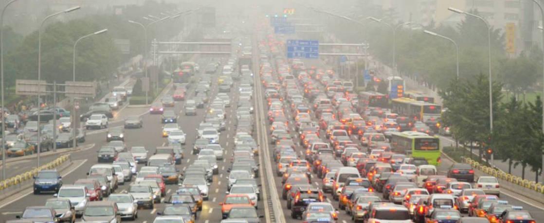 La contaminación del aire causa más muertes que el tabaco...