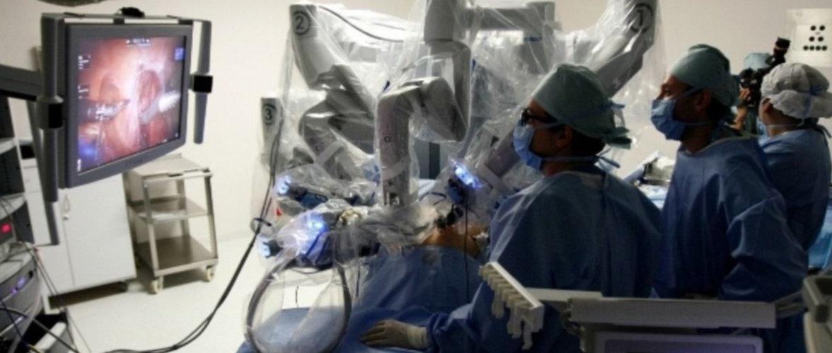 Aumentan las indicaciones que 'exprimen' el robot quirúrgico...