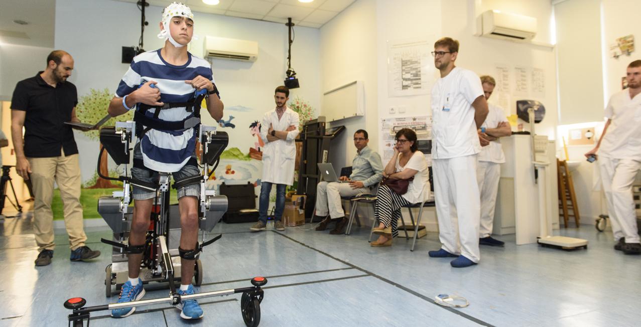 Un nuevo exoesqueleto rehabilita la parálisis cerebral infantil...
