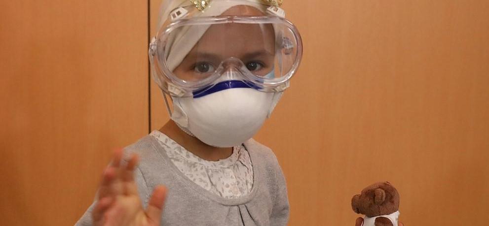La primera paciente pediátrica tratada de un tumor cerebral agresivo mediante protones...